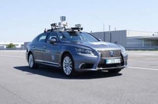 丰田正在研究自动驾驶汽车预?#24179;?#22312;?#20998;?#36335;测